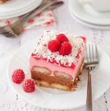 Η πιο fancy παραλλαγή του τιραμισού με φραουλένια και σοκολατένια γεύση και χρώμα