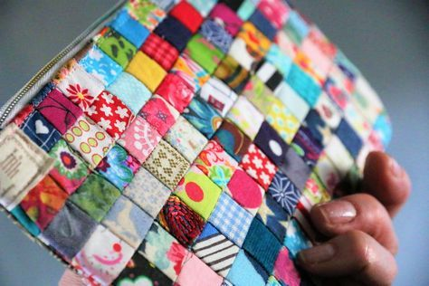Sewing instructions: Sew the bag out of fabric scraps
