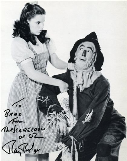 Judy Garland and Ray Bolger in The wizard of Oz