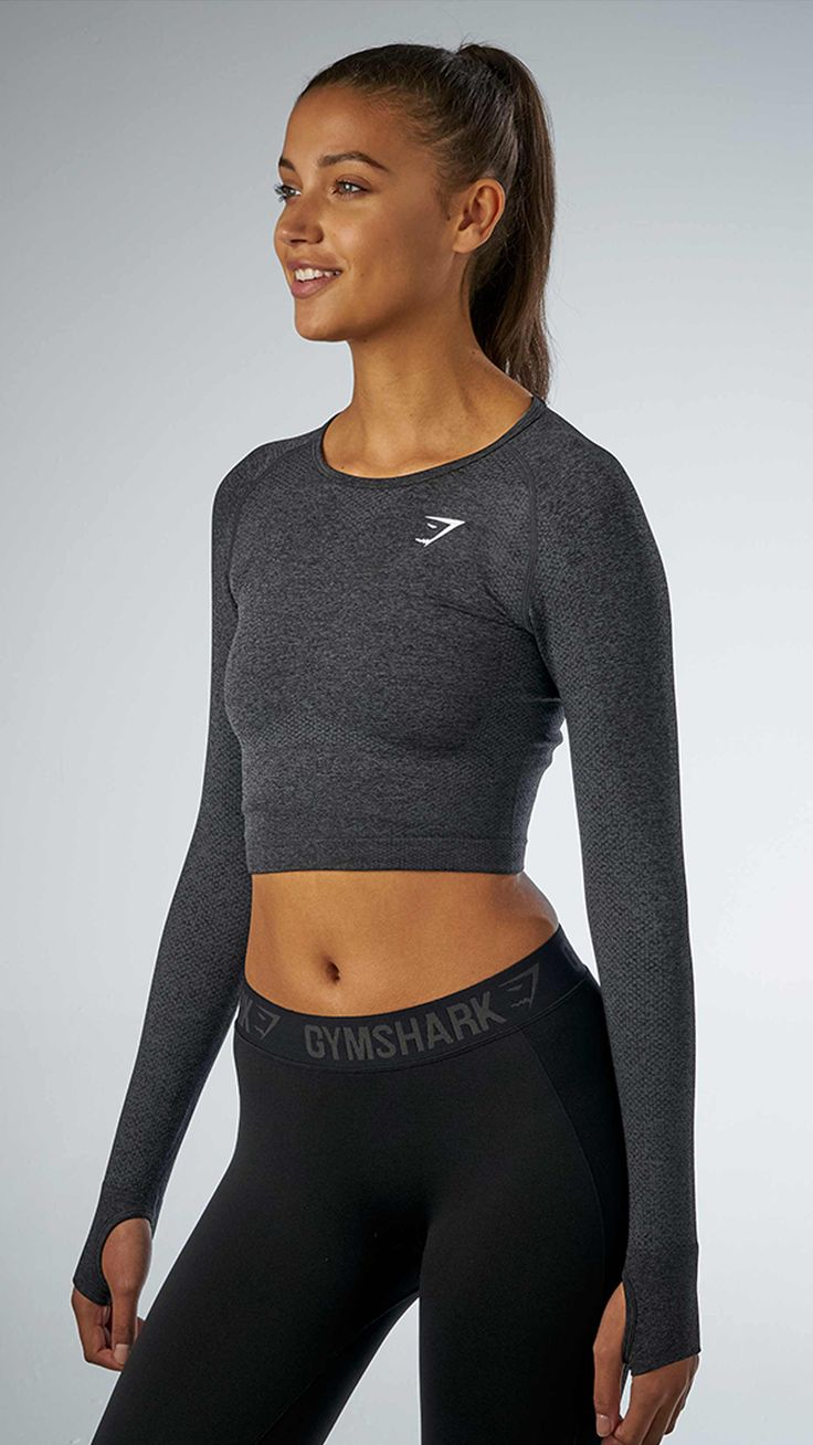 The one everyone has been waiting for. The Seamless long sleeve crop tops combines a comfortable and classic Seamless knit.