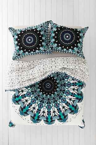 Magical Thinking Luna Medallion Duvet Cover - Urban Outfitters