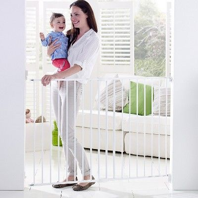 Munchkin Extending Metal Gate Tall & Wide Baby Gate, White