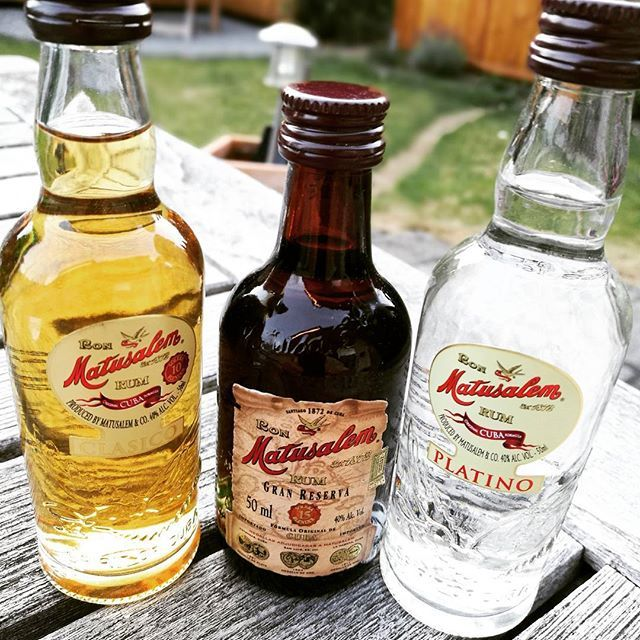 Rum samples from Matusalem, Republica Dominicana, a gift from yesterday's wonderful tasting Veritable 2017. Totally new for me, will be an experience to taste them ... #rum #matusalem #republicadominicana🇩🇴 #domikanischerepublik #veritable #veritable17 #veritable2017 #experience #rumtasting #smartphonephotography