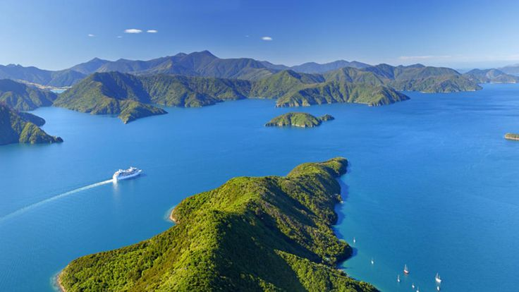 Cruising in Marlborough Sounds