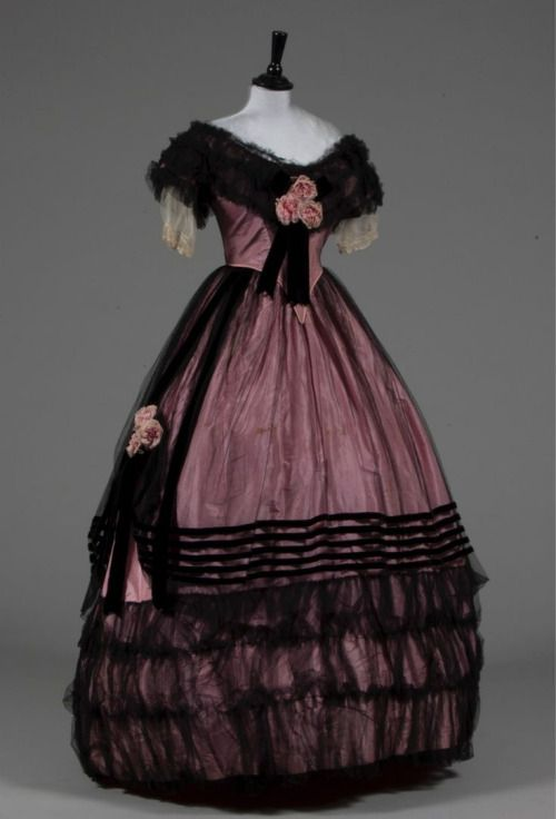 Evening dress, late 1850s