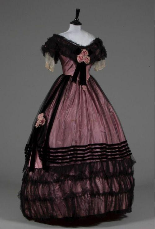 Evening dress, late 1850s