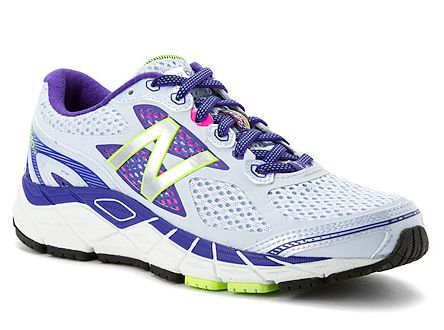 Best women's walking shoes for 2016. Best walking shoes for women with flat feet, high arches and more. Your personalized guide to finding the best shoes for your feet.