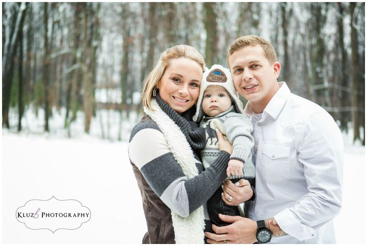 Outdoor Winter Family Photos with Baby.