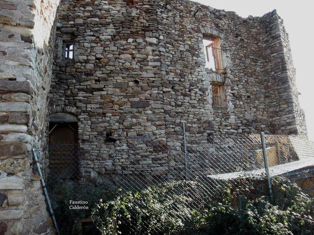 Pueblos deshabitados: La Bastida de Bellera #pallarsjussa #despoblats #pueblosabandonados #vallfosca part del darrera de Casa Antoni