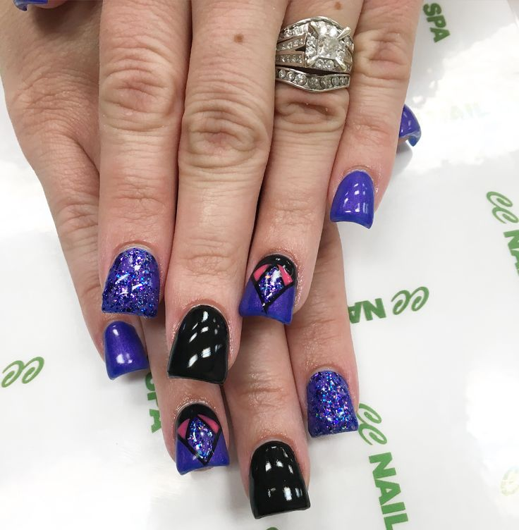 A diamond in the desert   @thenaildaddy @ccnailspa   #CCNailSpa #Nails #BeGelous #Square #Flare #Acrylic #HotRodPurple #Nobility #Purple #Black #Sparkle #Bling #Jewel #NailPorn #LasVegas #BestNails #Salmon