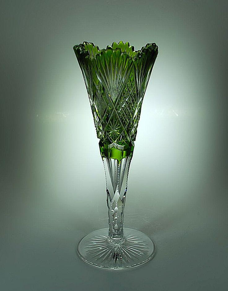 Val St Lambert vase Scheffel 1905-1908 Hubert Fouarge. Vase en cristal clair doublé vert de Chine.