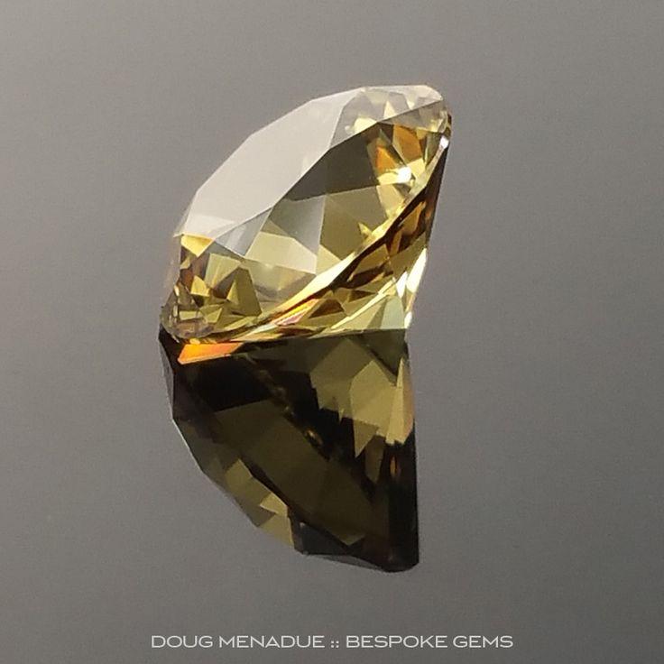 Yellow Sapphire, Round Brilliant, Rubyvale, Central Queensland, Australia, 1.16 Carats, 6.4x6.4mm, #102746, A magnificent natural Yellow Sapphire from the Australian sapphire gemfields. Doug Menadue :: Bespoke Gems