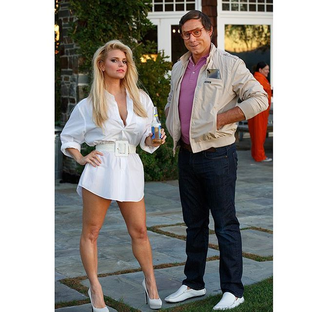Pin for Later: 70+ Celebrity Couples Halloween Costumes Jessica Simpson and Eric Johnson as the Girl in the Ferrari and Clark Griswold From National Lampoon's Vacation