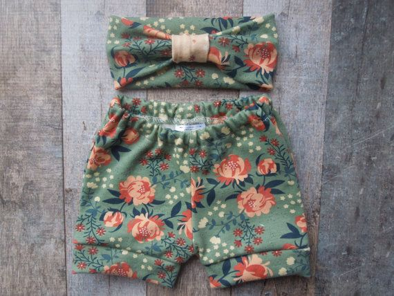 Hey, I found this really awesome Etsy listing at https://www.etsy.com/listing/227712491/organic-baby-girl-clothes-baby-gift-set