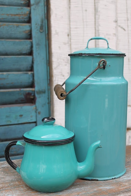 I put this in 'garden decor' because that's where I'd use these pretty enamel pots.