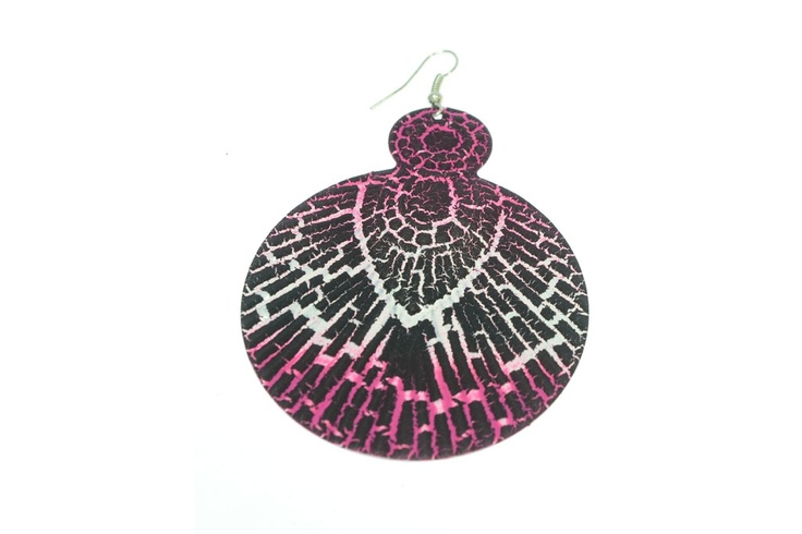 Pendiente ovalado de resina. Estampado animal print rosa.    Medidas 7,5 cm x 6 cm  Ref.: AG8158F  http://www.meigallo.com/articulo/836/pendiente-ovalado-animal-print-rosa