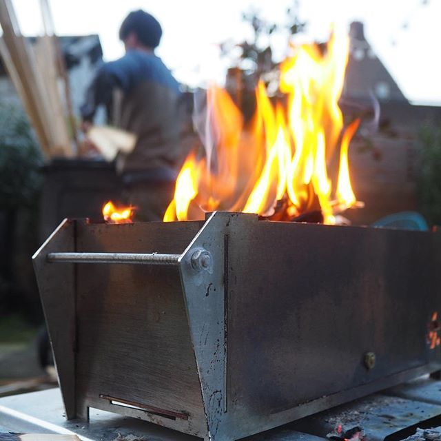 The webshoo is open! You can buy my compact BBQ's online! Very convenient for camping or small garden! Check: @sebastiaanmollemawebshop for the etsy link! Let me know if you are interested, we can work out shipping! #fire #bbq #bbq🍖 #outdoor #oudoors #garden #food #burger #meat #veggies #veggie #flame #grill #dinner #webshop #youtuber #mollema