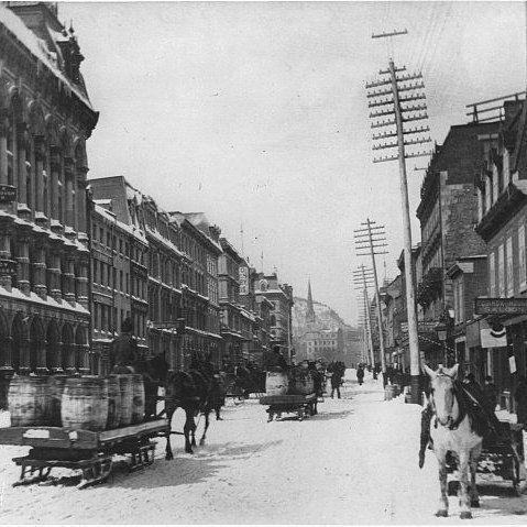 84 mentions J'aime, 3 commentaires – Propos Montréal (@proposmontreal) sur Instagram : «La circulation sur la rue McGill en 1869 au carrefour de la rue St-Paul. Une petite neige on fait…»
