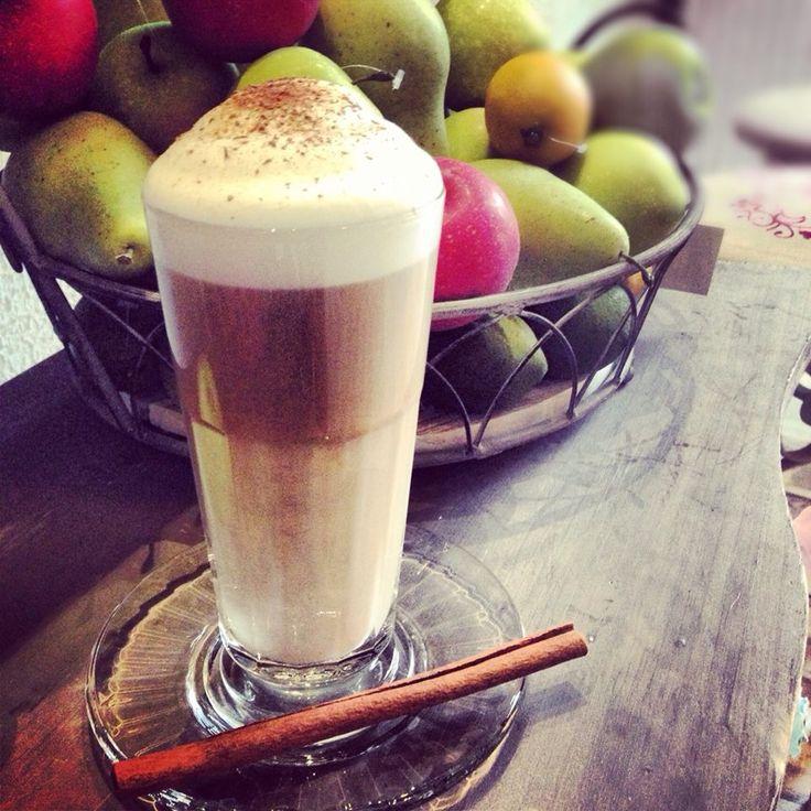 apple pie latte with cinnamon