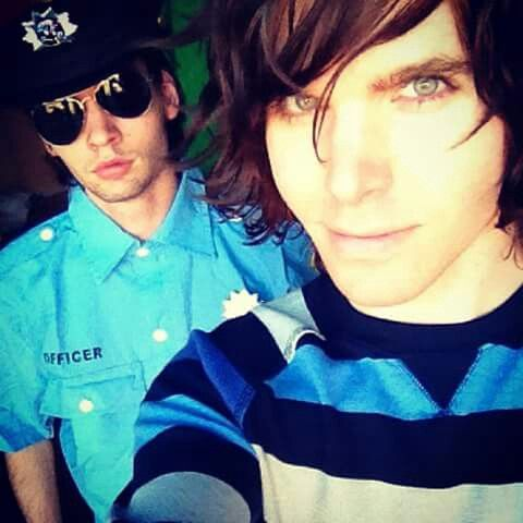 are onision and cyr dating
