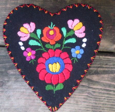 Folk Art Heart BoxHungarian  Matyo  Traditional  by DOXIEVINTAGE
