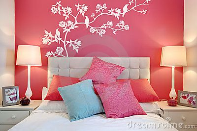 pink rooms make people feel smoothed and sweet