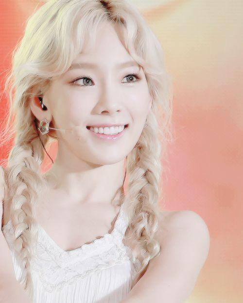 So Beautiful Taeyeon In Blonde SNSD GIRLS GENERATION In