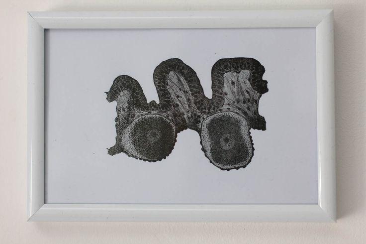 """carte imprimée motif surréaliste """"être voir"""" noir : Imprimés par ampersand-press-lab-ig"""