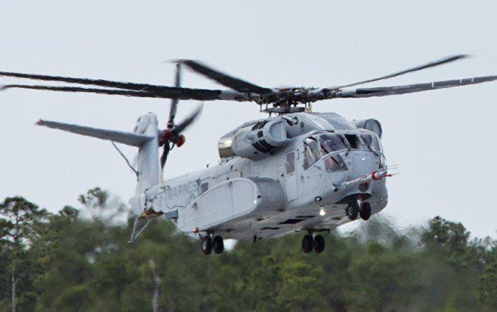 Le nouvel hélicoptère américain CH-53K King Stallion peut concurrencer les chasseurs F-22 et F-35. Vous pensez peut-être qu'il s'agit de sa vitesse ou de ses armes dernier cri? Non, c'est son prix qui bat tous les records.  IL Y'PAS QUE LES PRIX QUI   S'AFFOLE L'ETAT AUSSI