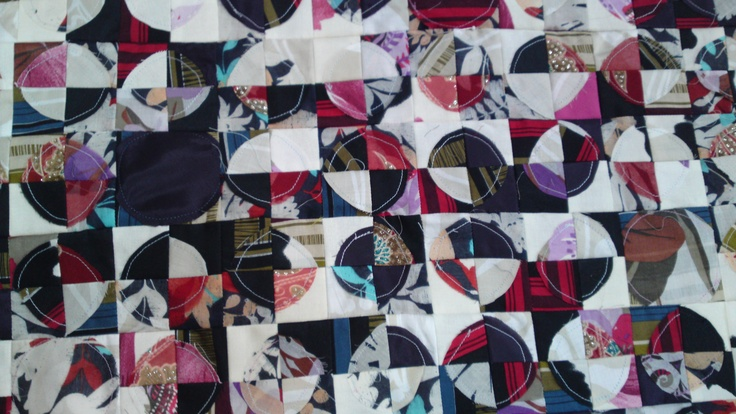 My own 'circle quilt'. Idea from 'cluck cluck sew'