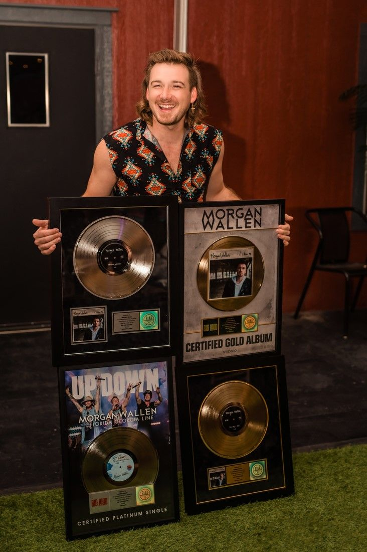 Certified Hitmaker Morgan Wallen Collects On Record Year Florida Georgia Line Country Artists Country Singers