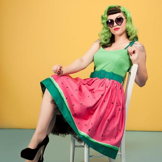 It may be a little chilly outside, but we're not letting that dampen our summer vibes! ❤️ the Collectif Jade Watermelon Dress