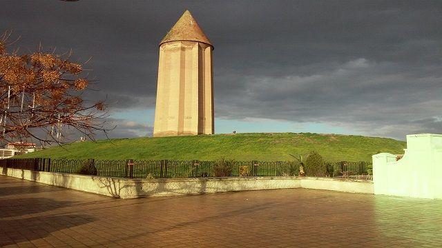 世界で最も高いレンガ造りの塔 イランの世界遺産 ゴンバデ カーブース Skyticket 観光ガイド 世界遺産 観光ガイド 観光