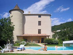 Holiday Chateau and Castle Rentals - Château de Mirail :: Chateau &  pool