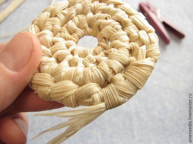 Плетем подставку под горячее из кукурузных листьев - Ярмарка Мастеров - ручная работа, handmade