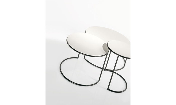 25 best tables basses images on pinterest furniture for Table basse rouge laque