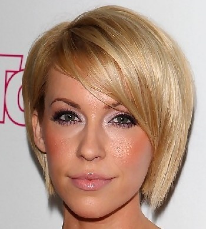 Shorter... potential and the color @Audrey Hansen what do you think?: Hair Ideas, Hair Styles, Colors Audrey, Cute Shorts Hair, Cute Short Hair, Short Hairstyles, Fath Hair, Hair Cuts Styl, Shorts Hairstyles