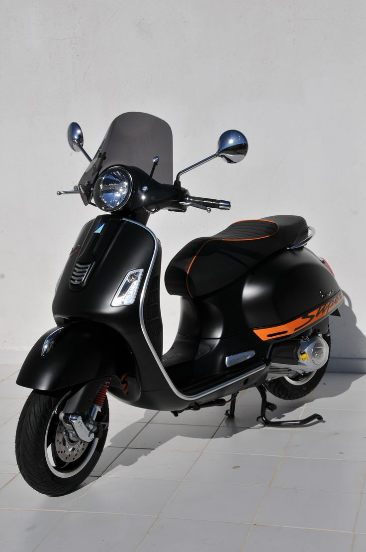 "Light black ""Mini Sportivo"" 30cm windshield for 125/300 GTS"
