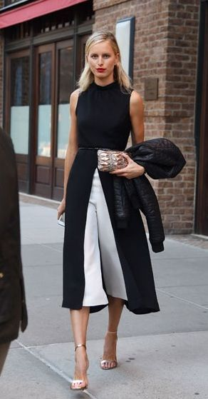 slayed. it. #KarolinaKurkova working monochrome #offduty in NYC.