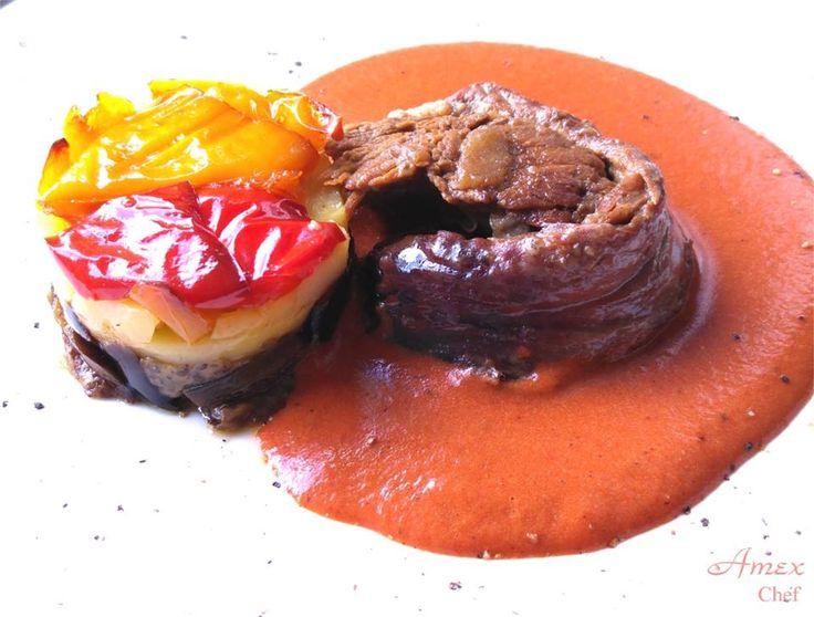 Arrosto di manzo marinato e cotto a bassa temperatura su crema vellutata della marinatura e tortino di melanzane, patate e peperoni padellari e ripasso in forno. www.amexchef.com