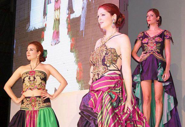 Η πανέμορφη Μυτιληνιά που ξετρέλανε Τουρκάλα σχεδιάστρια -Συμμετείχε σε επίδειξη μόδας [ΕΙΚΟΝΕΣ]