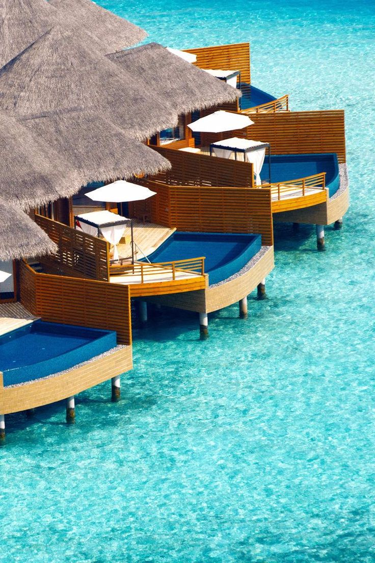 The island of Baros is a classic Maldives idyll with sugar-white sand and a sparkling lagoon. Baros Maldives - Jetsetter
