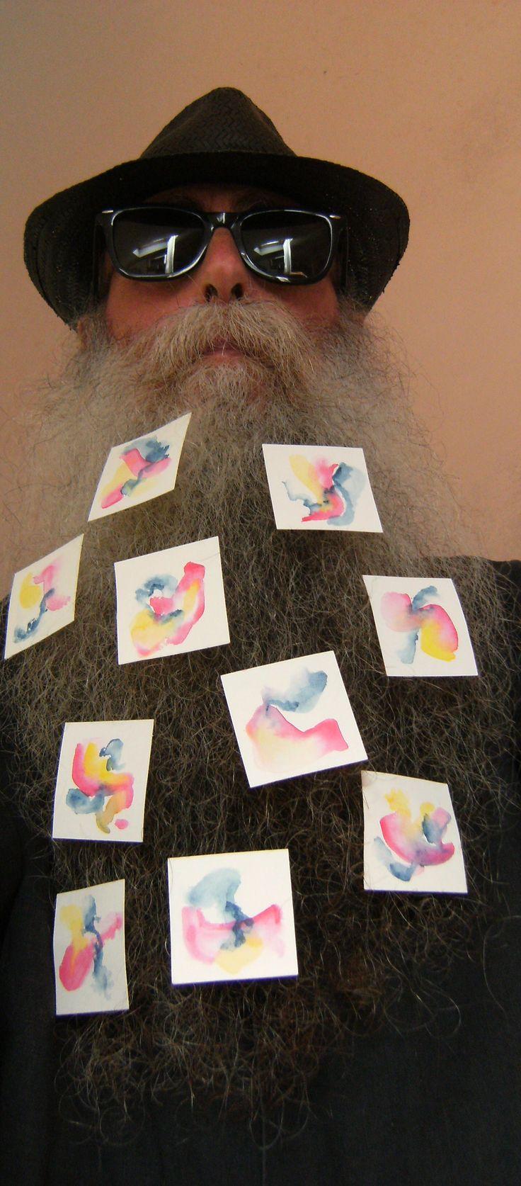 BEARD GALLERY - Opere di Silvana Iovino installate sulla mia barba (Galleria Pensile)