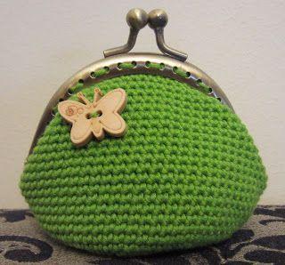 (CAT) Moneder fet amb Natura Just Cotton color Coral i ganxet del 2.5mm. Seguint el patró Fall Crochet Purse (ES) Moneder...
