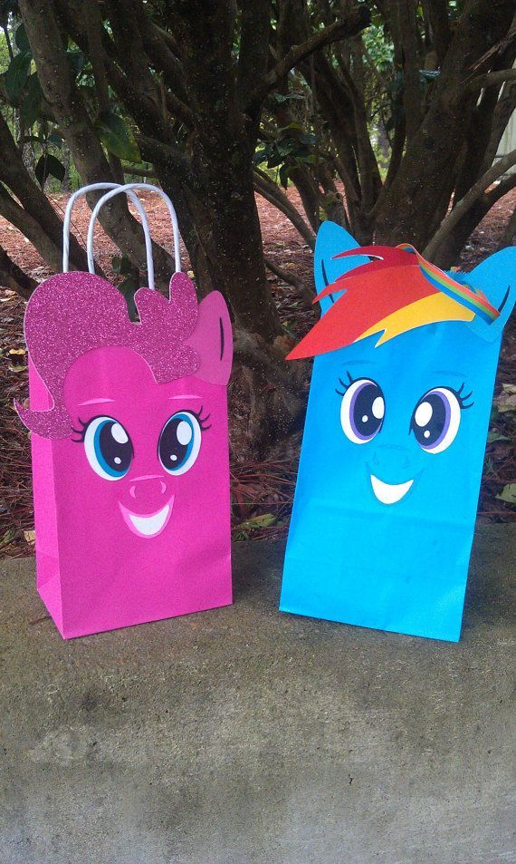 my little pony party ideas | My Little Pony favor gift bags by Easy-PeasyParties | Party Ideas