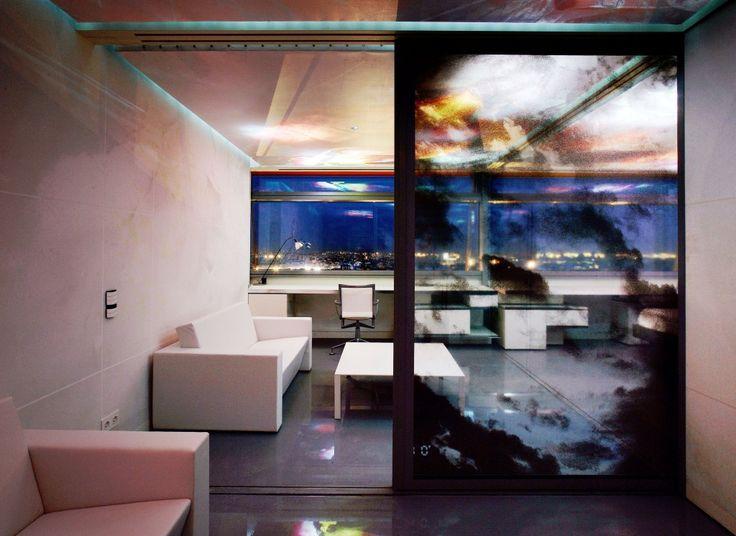 Elige las habitaciones de la planta que más te guste del Hotel de 5 estrellas en Madrid Silken Puerta América. Consigue el mejor precio en la Web Oficial.