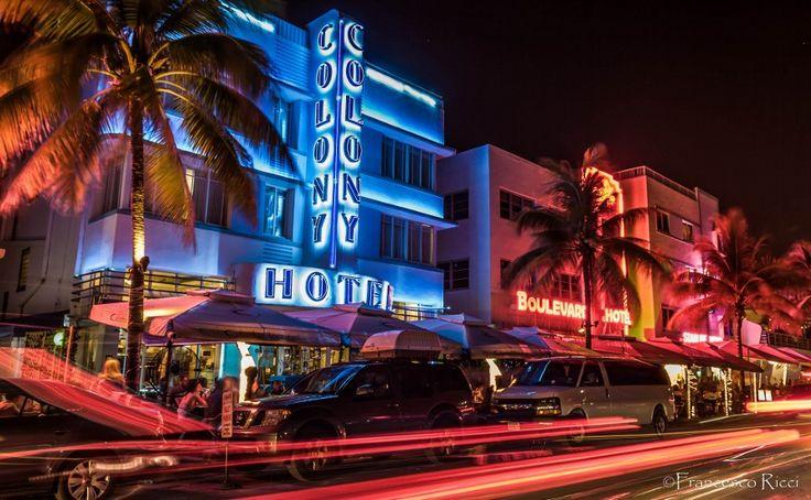 Miami Beach night life by Francesco Ricci