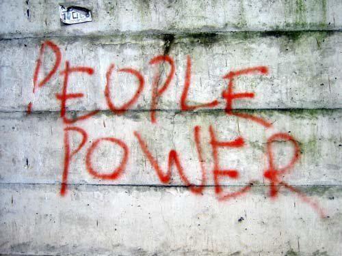 """""""Fino a che non diventeranno coscienti del loro potere, non saranno mai capaci di ribellarsi, e fino a che non si saranno liberati, non diventeranno mai coscienti del loro potere"""".    Da """"1984"""", di George Orwell (Eric Arthur Blair, 1903 - 1950 )  #libro #book #libri #books #frasilibri #aforismilibri #fieralibrocerignola  www.fieralibrocerignola.it"""