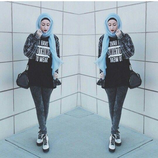 Another shot of Kendyl Aurora in the le-veil blue scarf.  Visit: www.le-veil.com| instagram:@le_veil_accessories | twitter:@le_veil_ltd