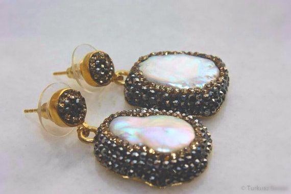 Handcrafted freshwater pearl & Swarovski crystal earrings